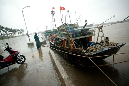 Bão quét qua Hải Phòng - Quảng Ninh, 10 người mất tích