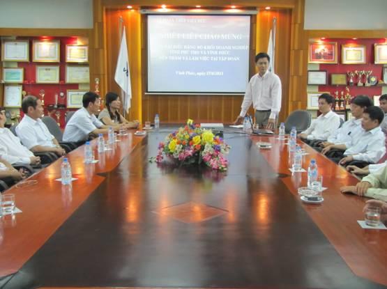 Đoàn Đại biểu Đảng bộ Khối doanh nghiệp tỉnh Vĩnh Phúc và Phú Thọ đến thăm, làm việc tại Thép Việt Đức