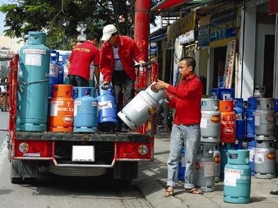 """Giá gas cao bất thường vì được """"thả rông"""""""