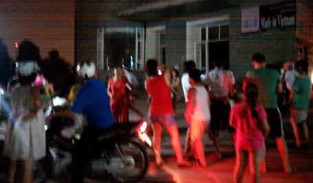 Hà Nội: Lại hỏa hoạn tại chung cư cao tầng, người dân bỏ chạy
