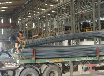 Sản xuất thép giảm do tiêu thụ chậm