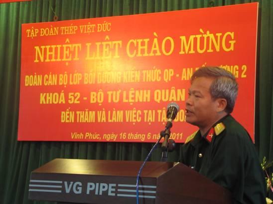Tập đoàn Thép Việt Đức nhiệt liệt chào mừng Đoàn cán bộ QP-AN Trường Quân sự Quân khu II đến thăm và làm việc tại doanh nghiệp