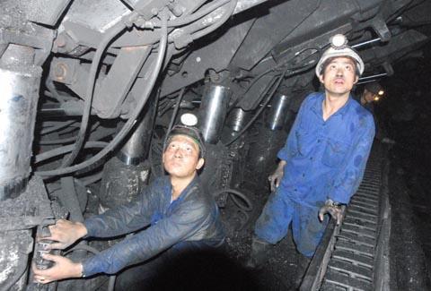 Tiếp tục đề xuất giảm thuế xuất khẩu và tăng giá bán than
