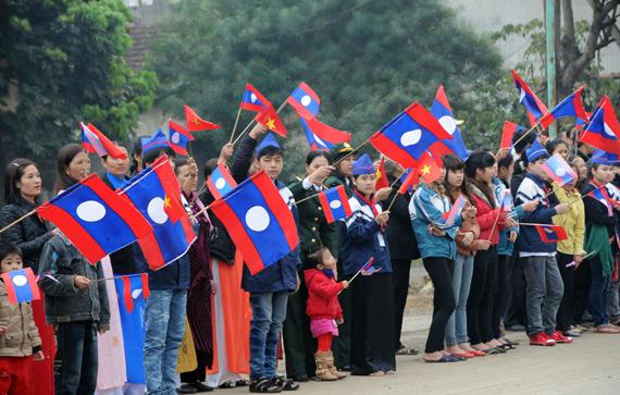 Việt Nam liên tục thâm hụt thương mại với Lào